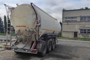 BHGL cisterna na prevoz sypkých materiálov malá