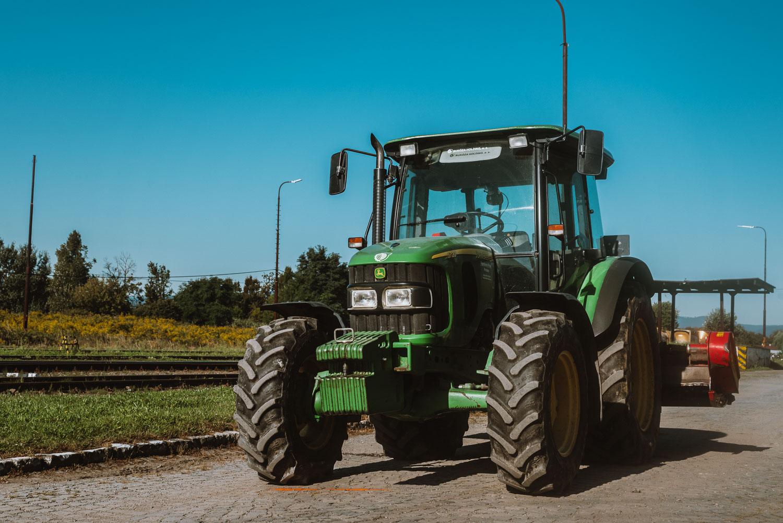 Prenájom traktora John Deere 5720